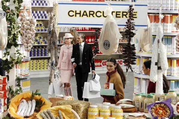 140304-chanel-supermarket-03_a2fc86d71f0e73b844134a2d1833c5f5.nbcnews-ux-720-480