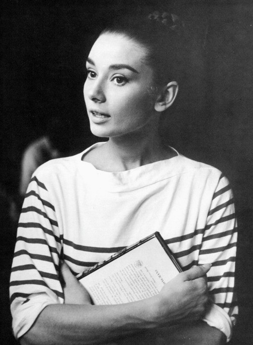 audrey-hepburn-stripes-retro
