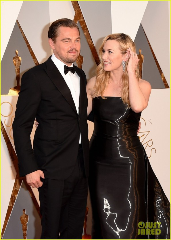 kate-winslet-cries-during-leonardo-dicaprios-oscars-speech-08