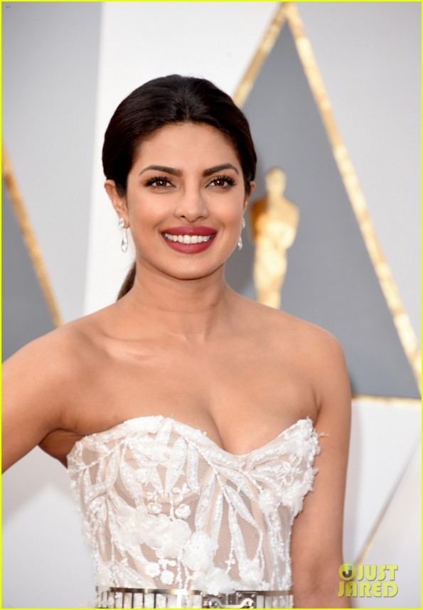 HOLLYWOOD, CA - FEBRUARY 28: Actress Priyanka Chopra attends the 88th Annual Academy Awards at Hollywood & Highland Center on February 28, 2016 in Hollywood, California. (Photo by Jason Merritt/Getty Images)