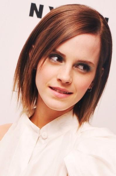 Emma-Watson-Medium-Length-Hairstyle-Layered-Haircut-396x600