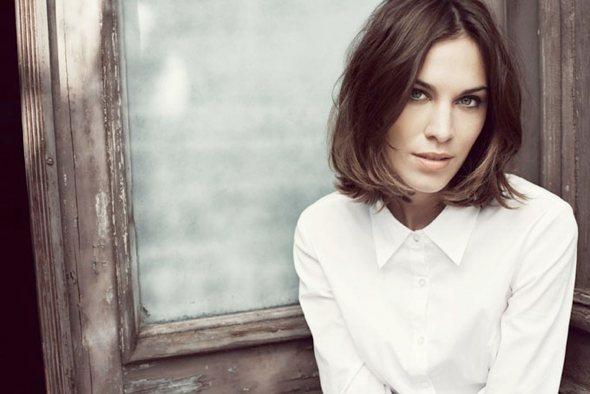 alexa_chung_white_shirt_veromoda